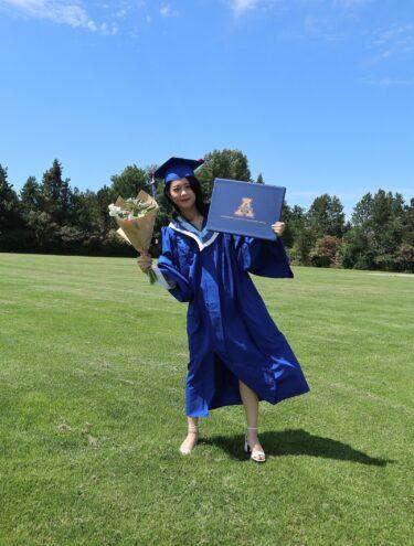 カナダ高校卒業留学(卒業式の写真公開):BC州公立学区で3年間過ごして無事に卒業!